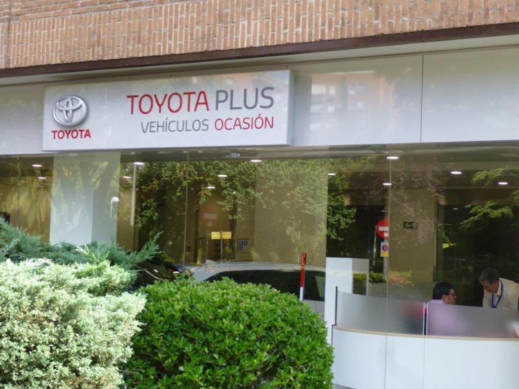 TOYOTA_CASTELLA_05